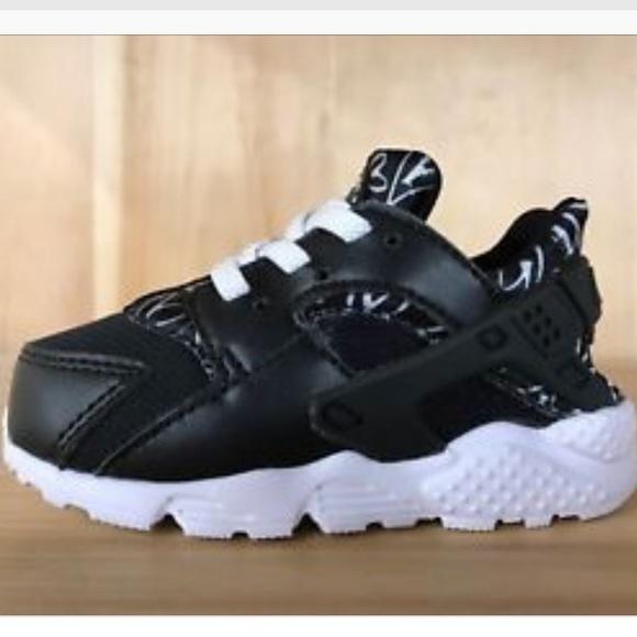 Nike Shoes   Little Girl Nike Huaraches